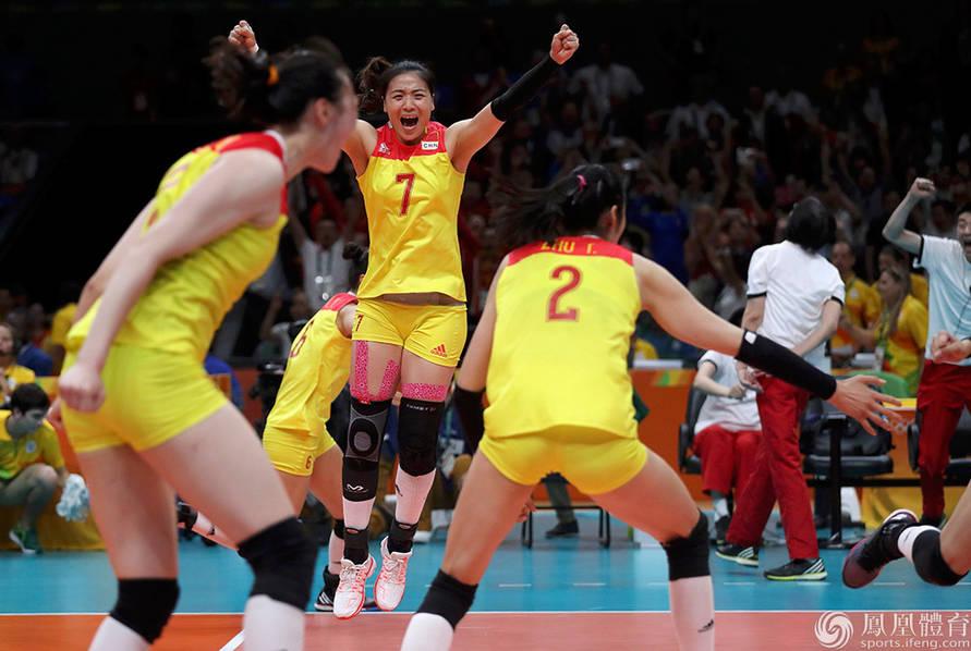 中国女排3-1战胜塞尔维亚 时隔12年奥运再登顶