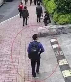 公安部刑侦局提醒:遇到背这种包的人,马上报警